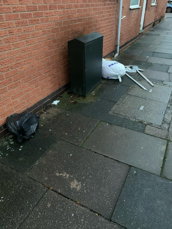 Rubbish and broken mirror on street outside   -28 Lytham Rd, Leicester LE2 1YD, UK