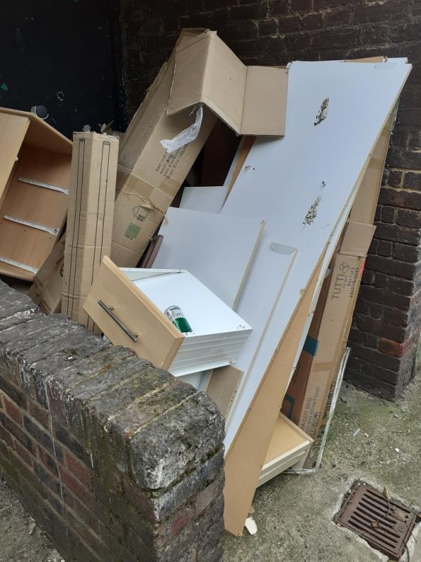 cleared -20 Lawn Terrace, London, SE3 9LL