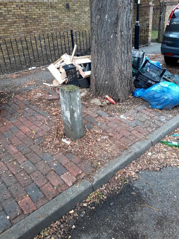 cleared -21 Comet Street, London, SE8 4AN