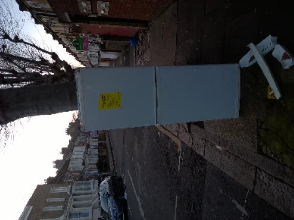 fridge-48a St George's Square, London, E7 8HW