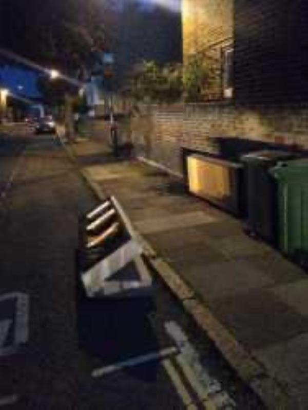 Please clear a bedbase-73 Albyn Road, London, SE8 4EB