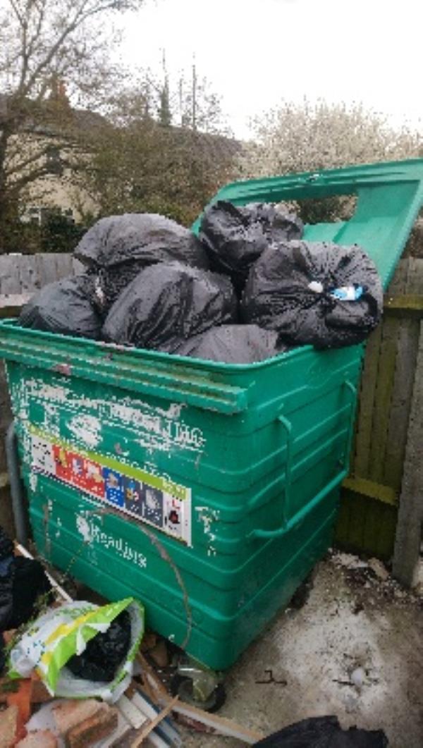 Contaminated recycling at 9-17 Bob Green Court -16 Bobgreen Court, Reading, RG2 8UE