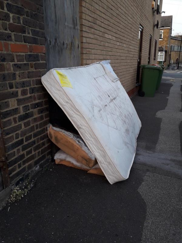 mattress -6 Adine Road, Plaistow, E13 8LL