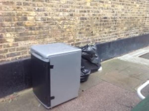 kezia Street please clear a  fridge-161 Trundley's Rd, London SE8 5JQ, UK