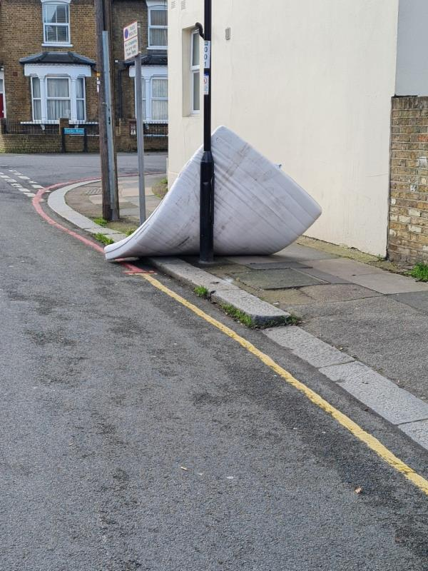 MATTRESS -12a Honley Road, London, SE6 2HZ
