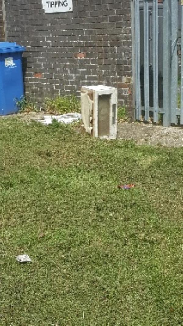 electrical item by garage 149, behind gas area-60 Kingsley Road, Farnborough, GU14 8SX
