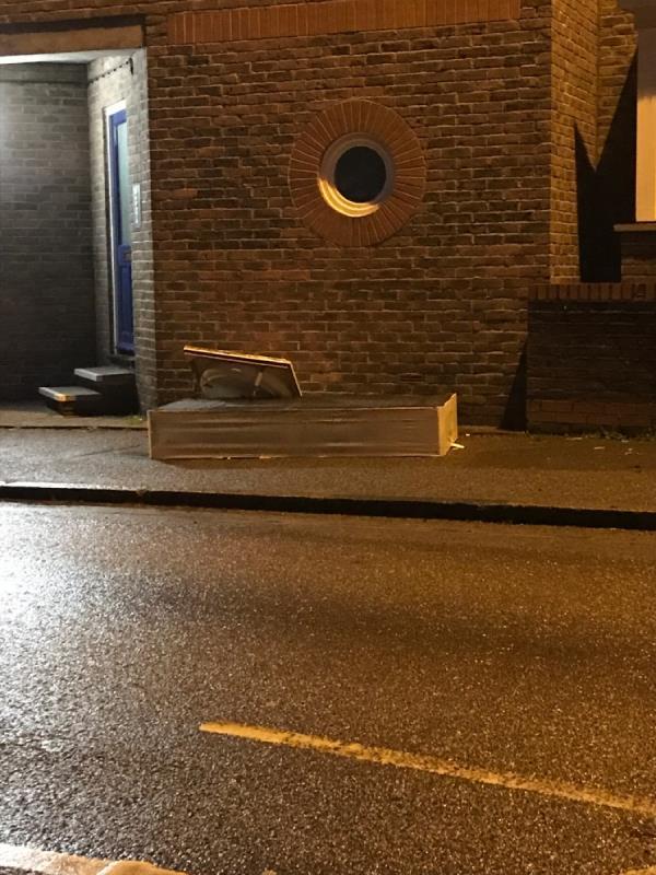 Bed base -49 Trundley's Rd, London SE8 5BD, UK