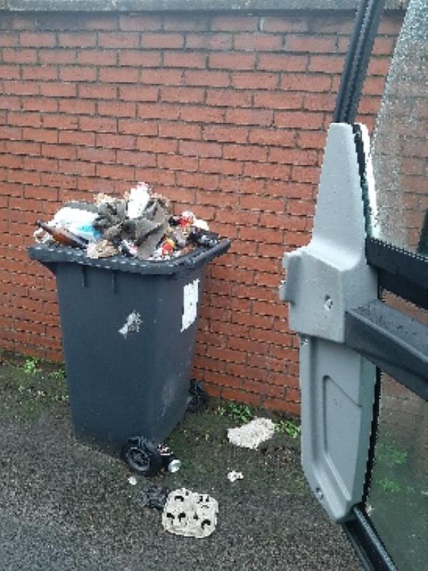 abandoned bin-32 Wellington Road, Bilston, WV14 6AD