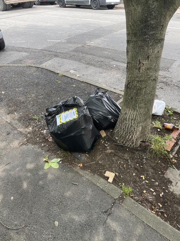 Bags -78 Old Oak Lane, Kensal Green, NW10 6UB