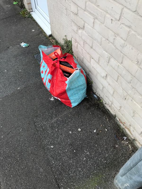 Rubbish on street-2a Prospect Street, Reading, RG1 7YG
