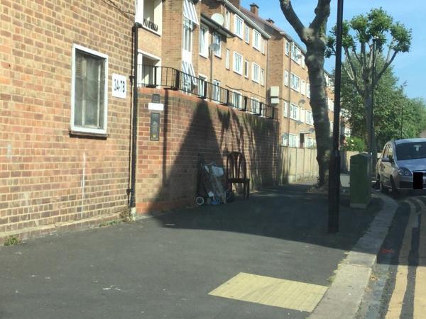 Mountfield rd side if 3a-7b close to vicarage lane-89 Folkestone Road, London, E6 6AZ