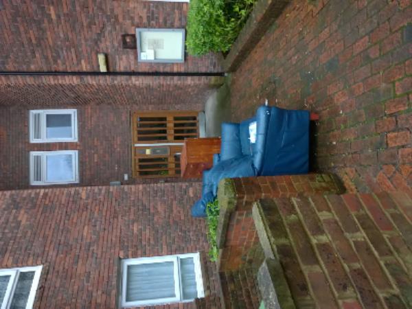 sofa x 2 cubprd.. bulky bookednot collected-3 Richmond Street, Plaistow, E13 9AA