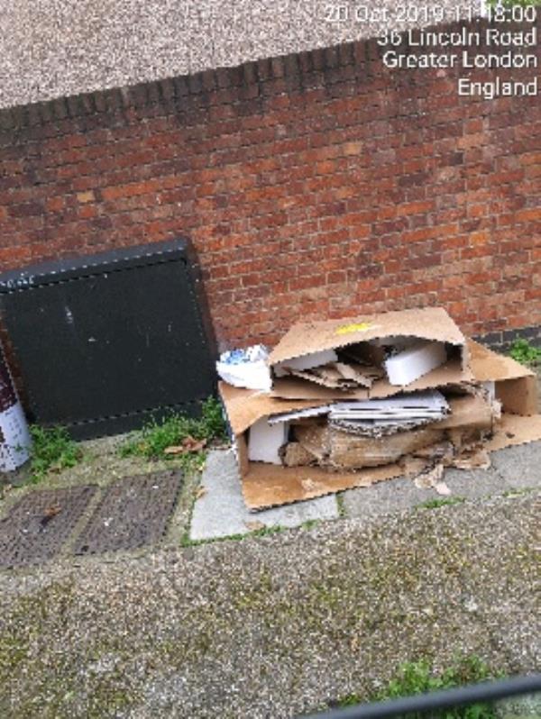 cardboard boxes -126 Cumberland Road, London, E13 8LR