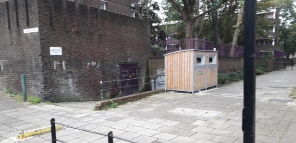 crandley court entrance  cleared -Crandley Court RAINSBOROUGH, London, SE8 5SA