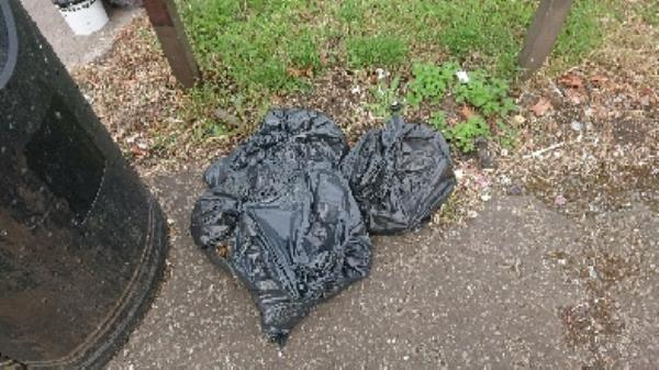 Builders rubble waste removed fly tipping  image 1-29 Hazel Cres, Reading RG2 7ND, UK