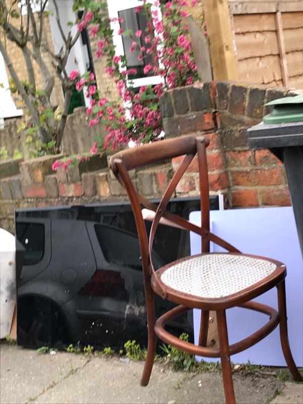 Mobile 9 job outside no.28 Laleham Road -28 Laleham Road, London, SE6 2HT