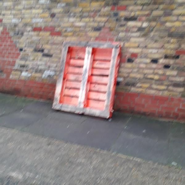 pallet -1a Latimer Road, London, E7 0LQ