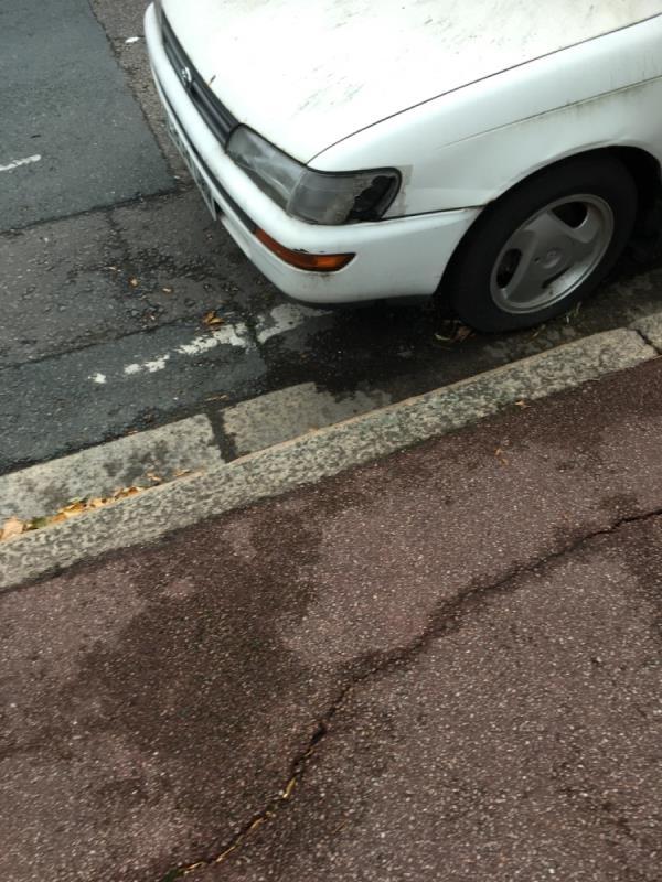 Car has no road tax and no mot image 1-141 Essex Road, Manor Park, E12 6QS