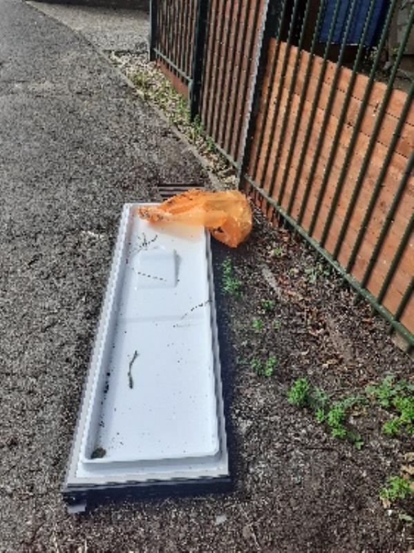 flytipped no evidence taken away -67 Stanhope Road, Reading, RG2 7HW