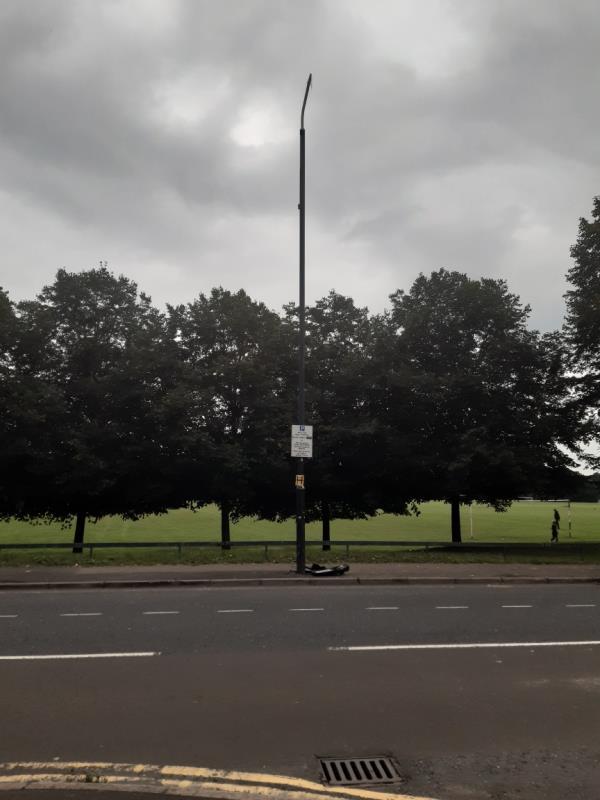 Street light broken -Jake Russell Walk (Stop B), London E6 5LT, UK