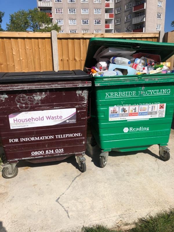 Wash down bin stores -57 Gainsborough Road, Reading, RG30 3QE