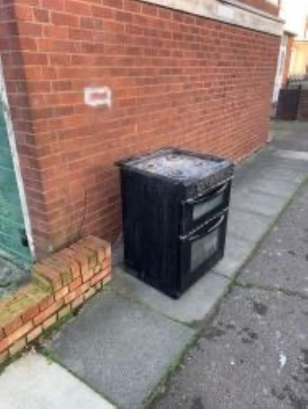 Please clear an oven-31 Aldersgrove Avenue, London, SE9 4PJ