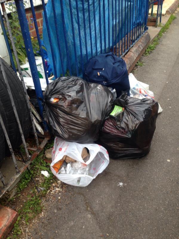 Rubbish outside no 50-33 Essex Street, Reading, RG2 0EH