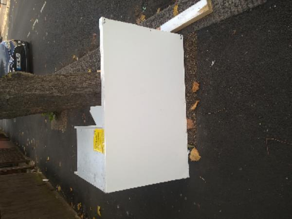 cabinet-34 Berkeley Road, London, E12 6RW