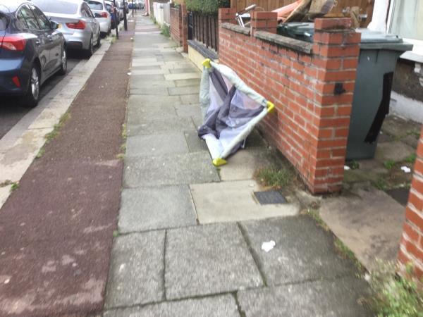 Childs cot-58 Selsdon Road, Plaistow, E13 9BX