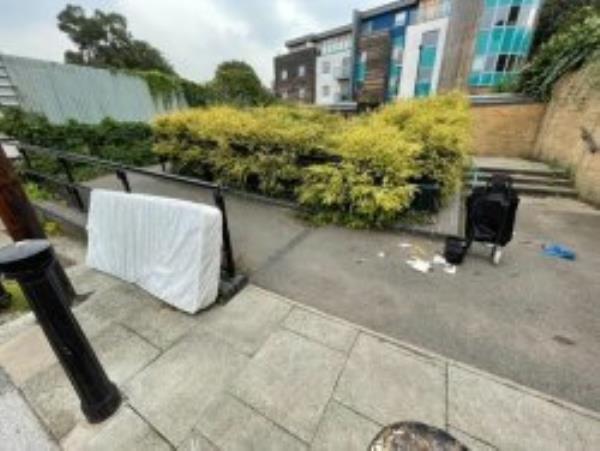 Please clear a mattress. Reported via Fix My Street-42 Dermody Road, London, SE13 5HB