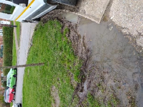 damaged grass verge due to vehicles mounting the kerb 16 Weald Close-18 Weald Close, Hurstpierpoint, BN6 9SR