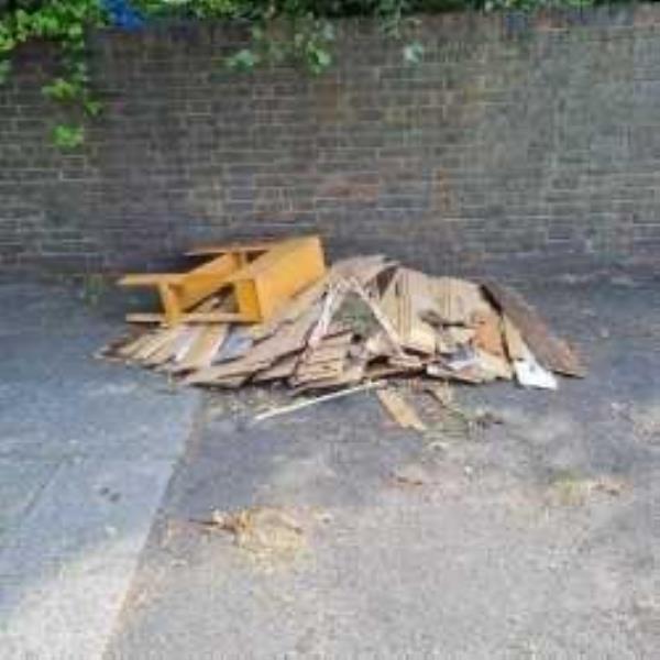 Please clear flytip-55e Panmure Road, London, SE26 6NB