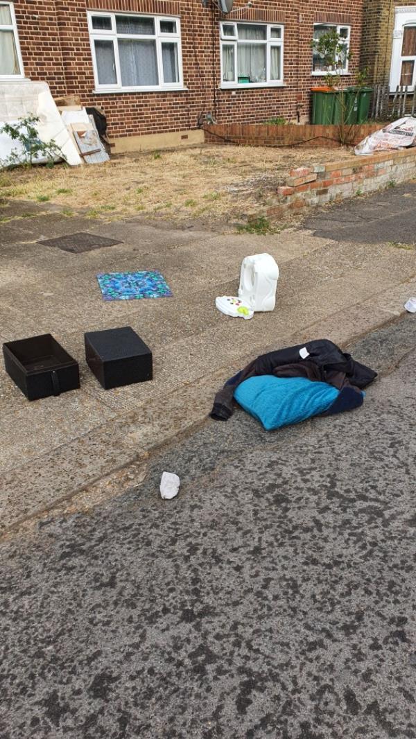 clothes, kids things -40d Idmiston Road, London, E15 1RG