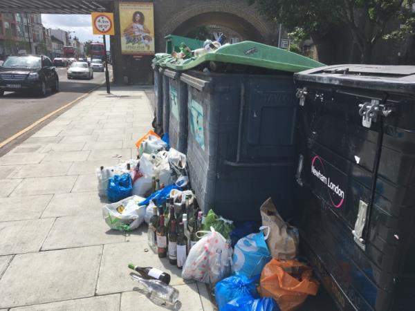 This picture would suggest the bottle bank needs emptying!!! I fear that it will soon be surrounded by broken glass😱. There are also bags next to the clothes bin. This recycle area opposite Wanstead Park Station needs regular emptying and monitoring! -43 Clinton Road, London, E7 0HD