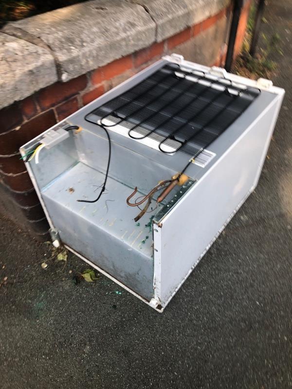Electrical item dumped -Side Entrance, 44 Lea Rd, Wolverhampton WV3 0LR, UK