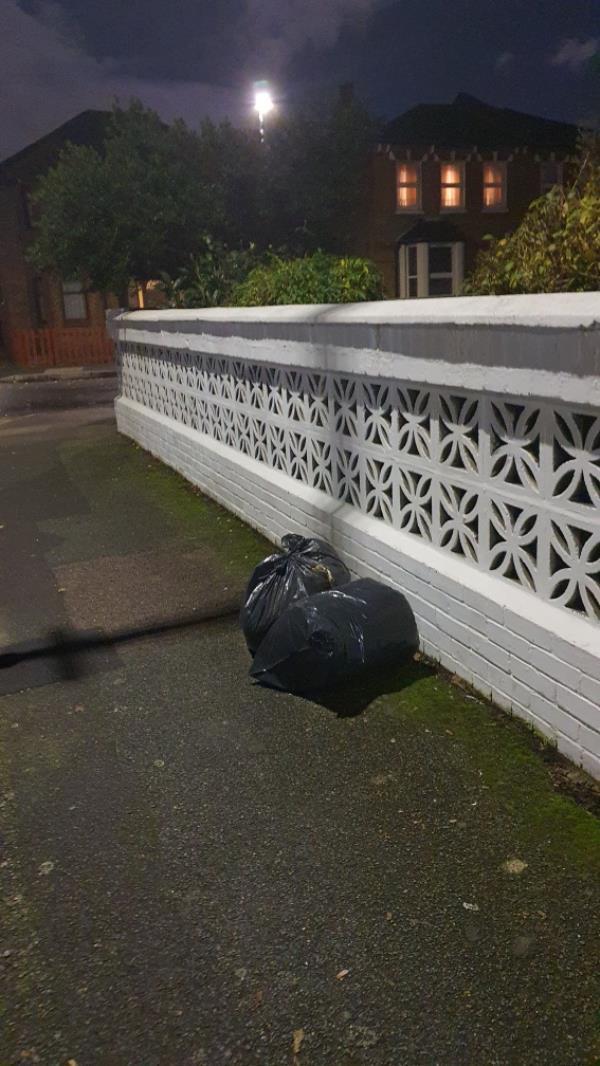bags-32 Margery Park Road, London, E7 9JY
