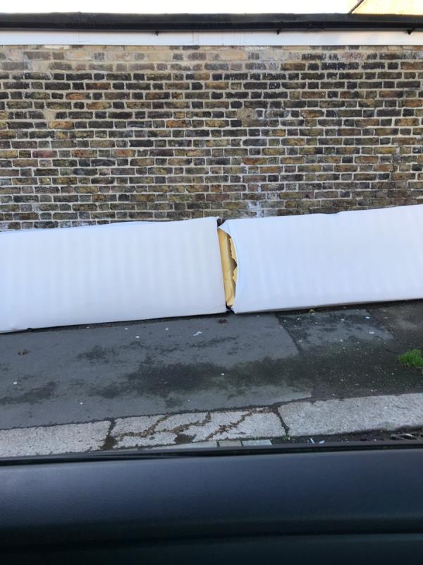 Beecroft Road j/w Brockley Road -2 Beecroft Rd, Brockley, London SE4 2BU, UK