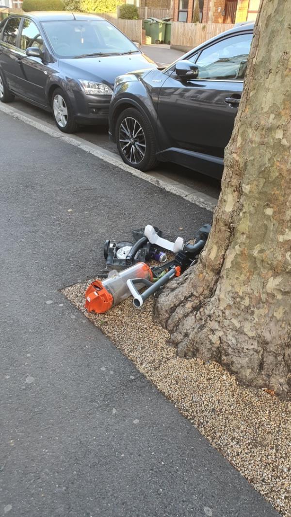 broken hoover -Haastrup Court 159-161 Earlham Grove, London, E7 9AP