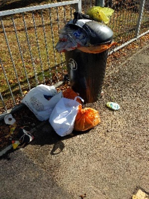 overflowing rubbish bin-90 George Street, Reading, RG1 7NT