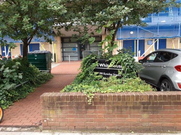 cleared -221 Kender Street, New Cross Gate, SE14 5AF