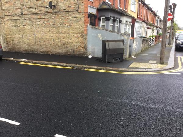 Rixen rd flytipped tv-39 Rixsen Road, London, E12 6RN