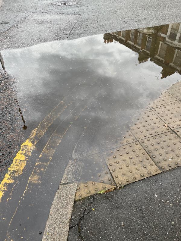 Blocked drain. -31 Oxford Road, Finsbury Park, N4 3HA