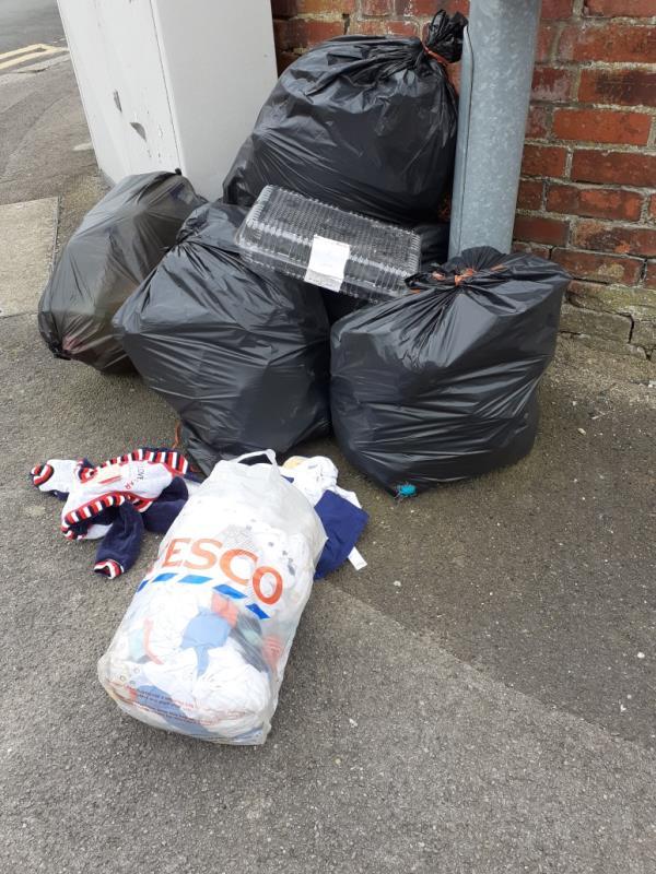 rubbish on pavement-94 Brighton Road, Reading, RG6 1PS