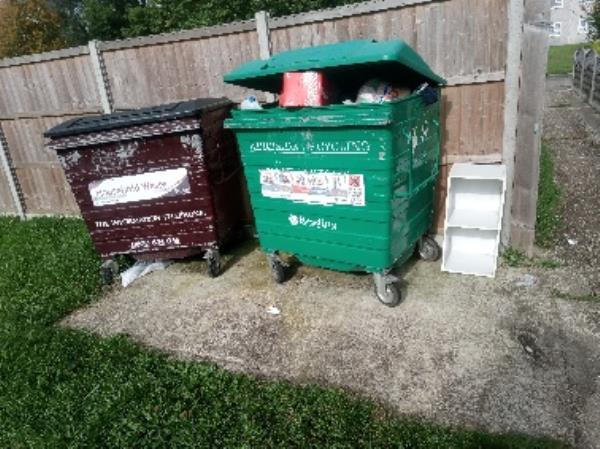 Wash down binstores -57 Gainsborough Road, Reading, RG30 3DA