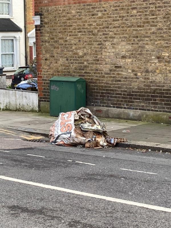 Rubbish again -14 Lismore Road, Tottenham, N17 6LE