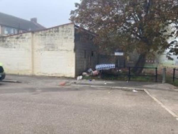 Please clear a mattress-77 Winsford Rd, London SE6 4LT, UK