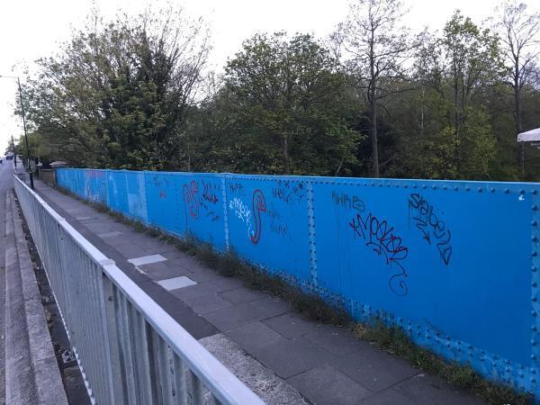 14 meter paint -Matthews Court Vesta Road, Brockley, SE14 6RG