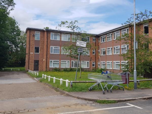 X2 Abandoned trollys-89 Brunswick Street, Reading, RG1 6PE