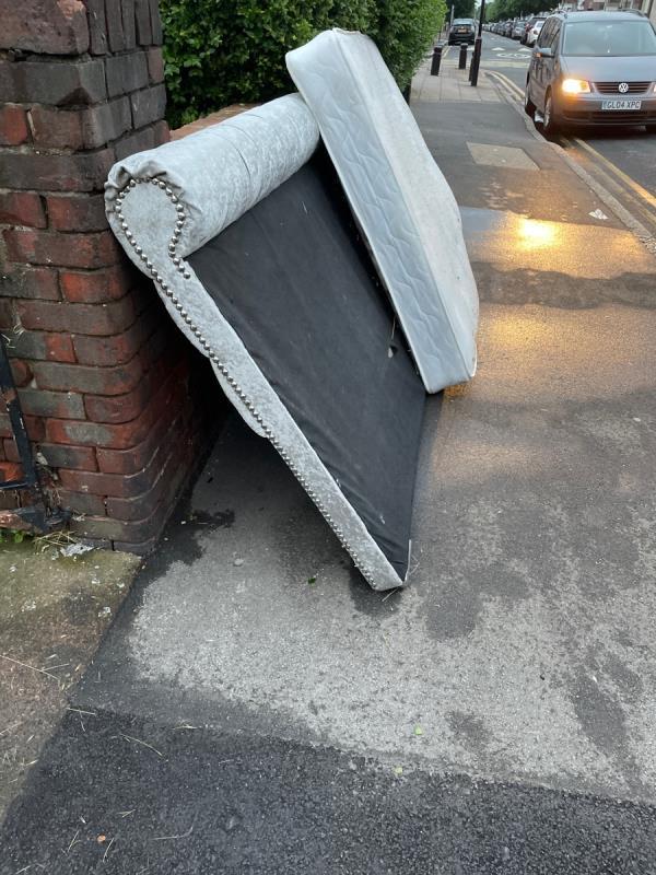 Rubbish lol -269 High St N, London E12 6SL, UK