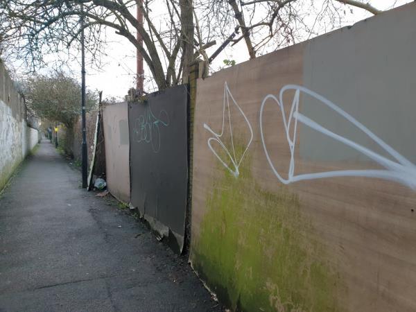 I'm alleyway by 200 Park ave-203 Park Avenue, London, UB1 3AL